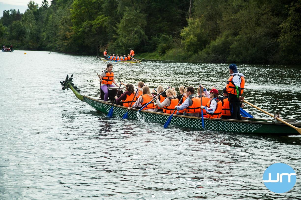 Большая гонка на лодках драконах
