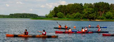 Водный поход по реке для компаний